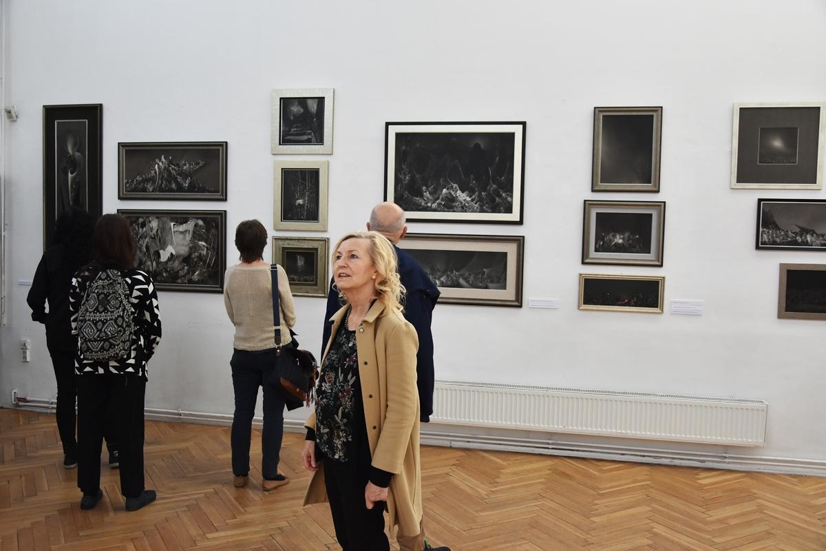 GRZEGORZ STEC / MALARSTWO - Czarne obrazy 29-04-19