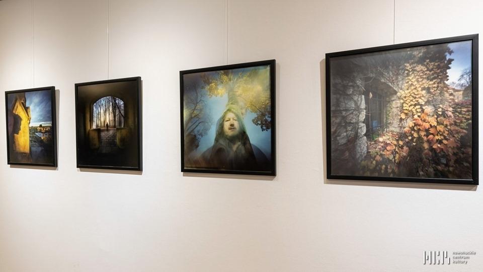 """""""Czas utracony"""" – wystawa fotografii otworkowej Lecha Lipca 25-07-19"""